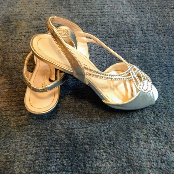 Caparros Shoes Silver Slingback Sz 7 New In Box Poshmark